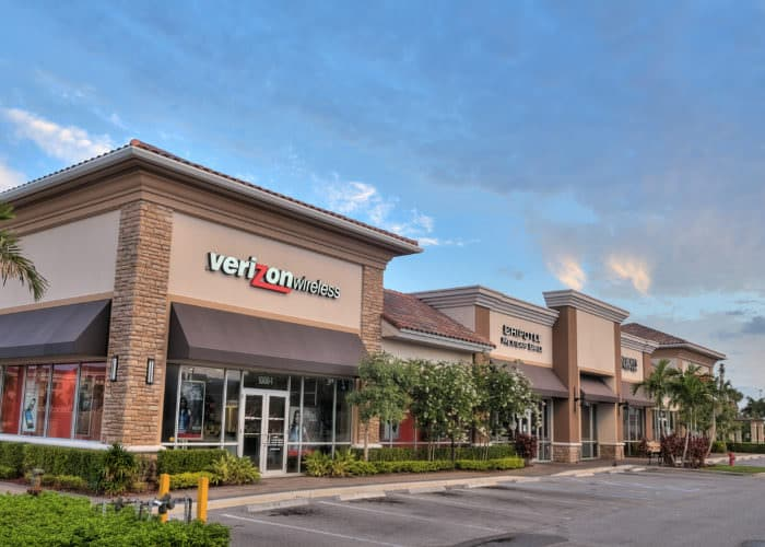 Shoppes at Isla Verde Wellington Florida