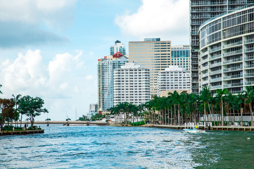 Top-5 Miami Shopping Centers: Retail Market Trends & Analysis 2021